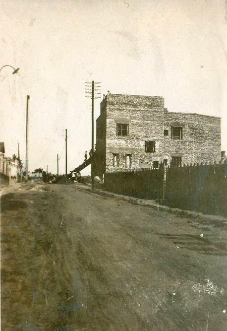 House under construction, photo from 1927