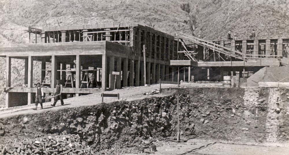 Building under construction, photography