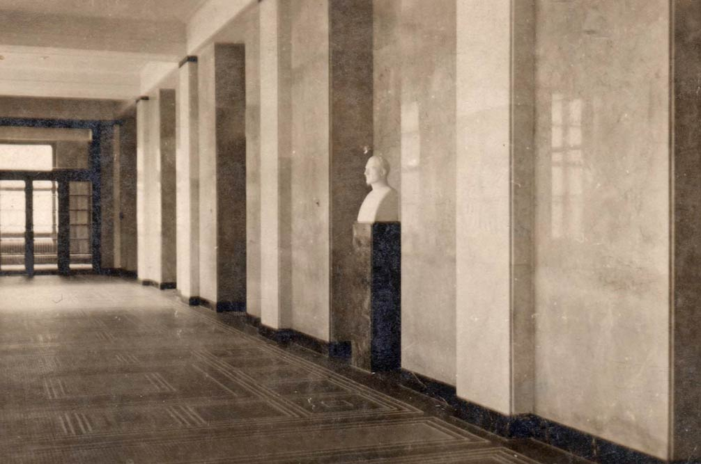 Photo of the interior of the hallway
