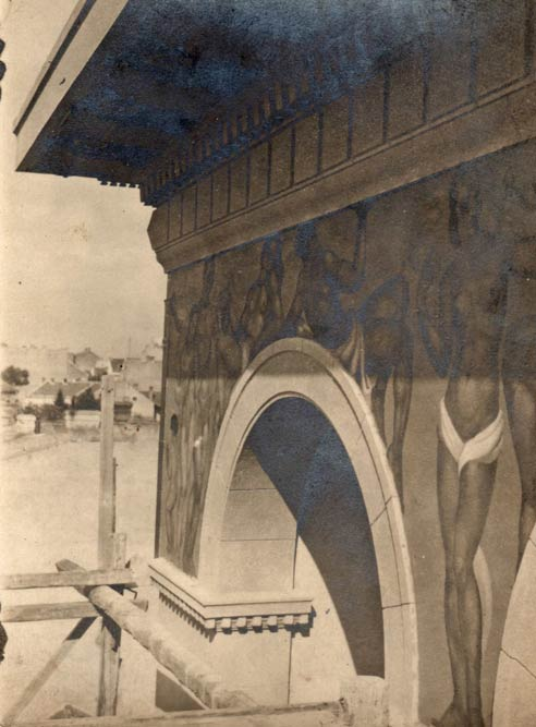 Painting of the attic part of the facade, photograph from 1926.