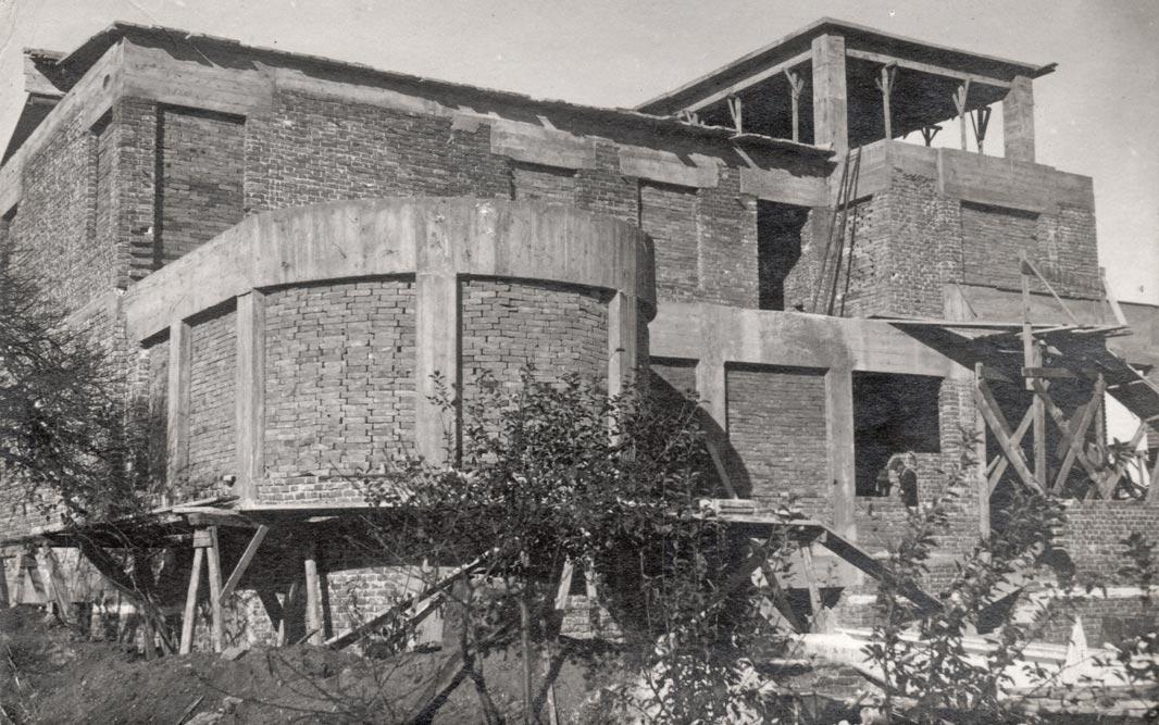 Vila u izgradnji, fotografija iz 1931. godine